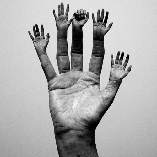 Multi Hands Photo Manipulation
