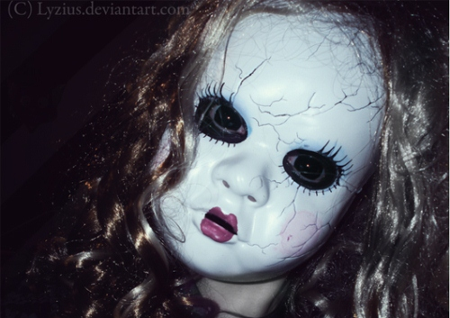 Halloween Masks: Doll Face