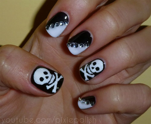 Pirate Skull Nail Art