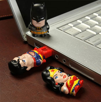 New Mimomicro MicroSD USB Card Reader & Drive - Superman