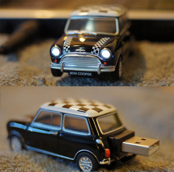 Mini Cooper USB Flash Drive 4GB - Black with Bonnet Stripes
