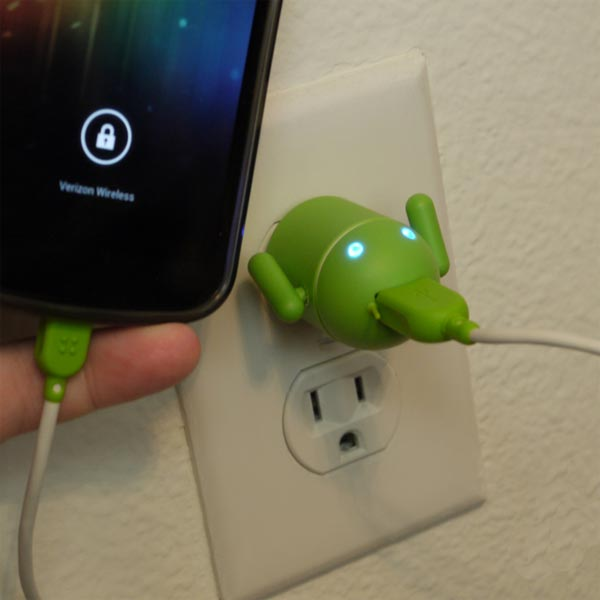 Product of the Day: Android Robot USB Cell Phone Charger