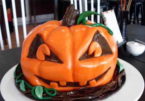 20 Pumpkin Cake Designs for Halloween Season