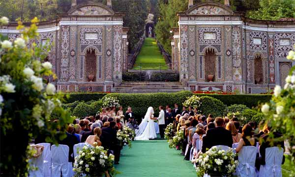 Visit the venue of the wedding