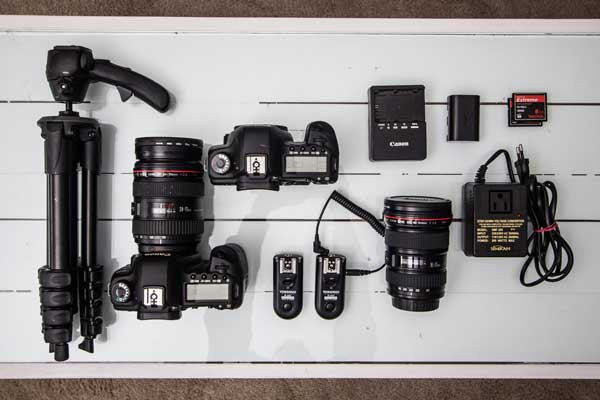 Essential Photography Equipments Every Photographer Must Provide