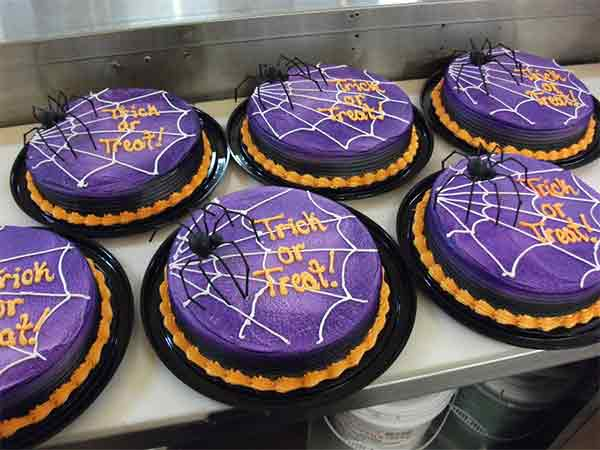 Trick or Treat Spider Cakes