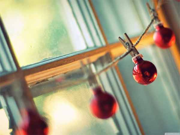 Red Christmas Globes