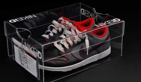 15 Examples of Creative Shoe Packaging Designs