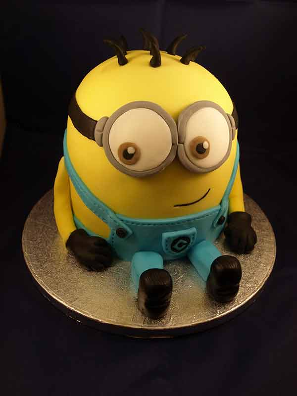 Despicable Me: Minion Cake