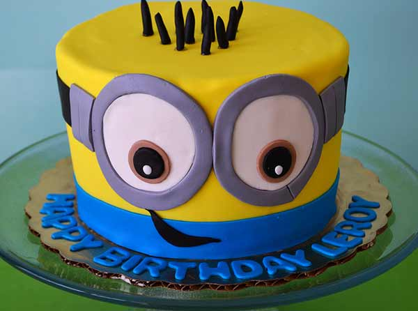 Minion Cake Decorating Idea