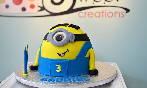 Cake Minion Photography